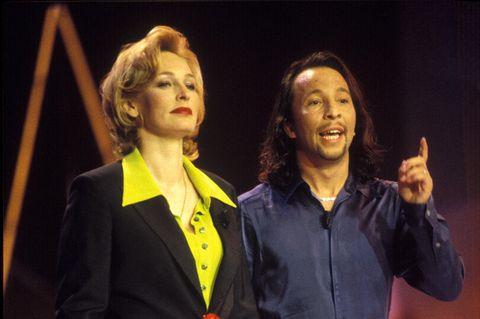 90er Moderatorinnen: Bärbel Schäfer auf der Bühne mit DJ Bobo