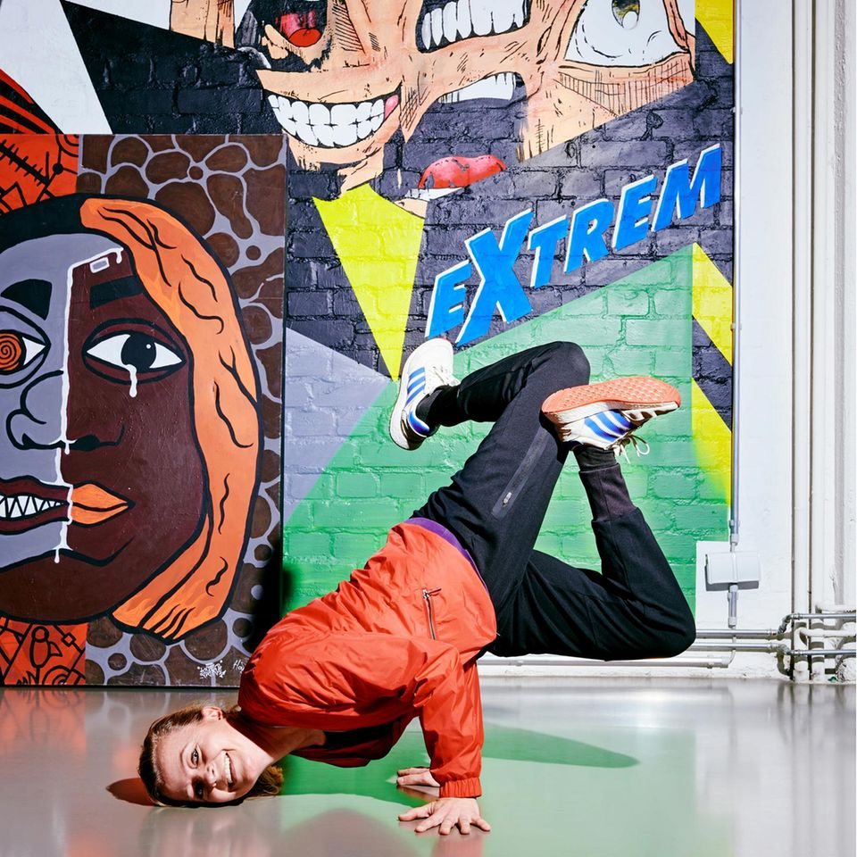 Breakdance: Lena Schindler in Breakdance-Pose
