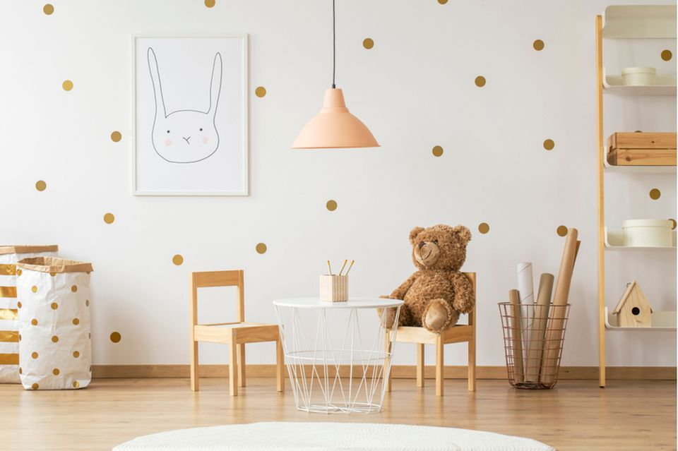 Kinderzimmer gestalten: Wand mit Punktmuster