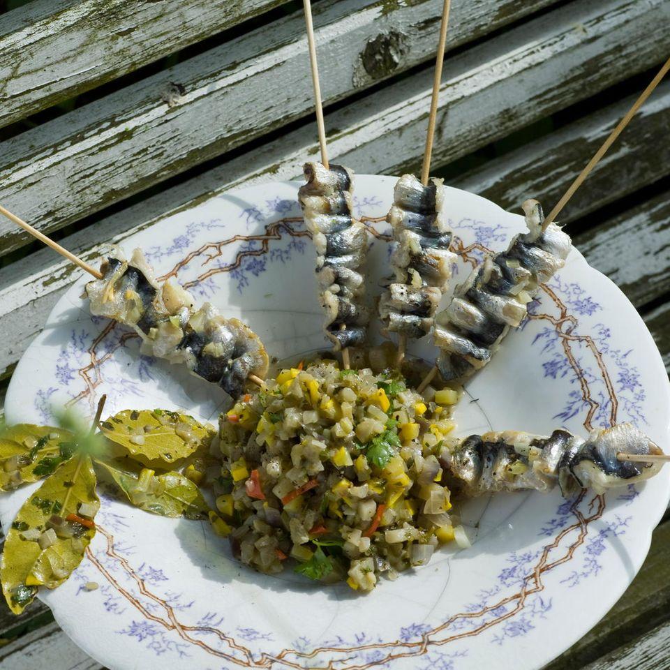 Auberginen-Zucchini-Salsa mit Sardinen