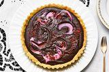 Schoko-Tarte mit Ruby-Schokolade und Himbeeren