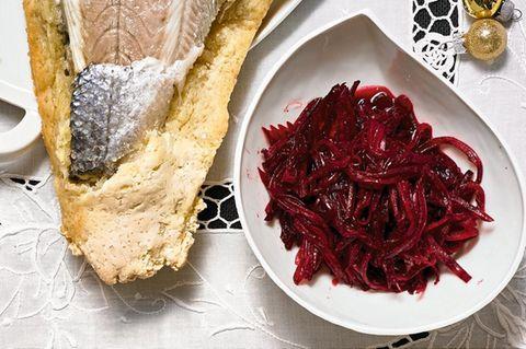 Rote-Bete-Salat und Petersilien-Pesto