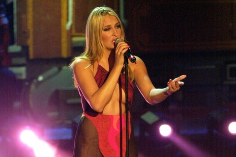 Promikleider: Sarah Connor im roten Kleid