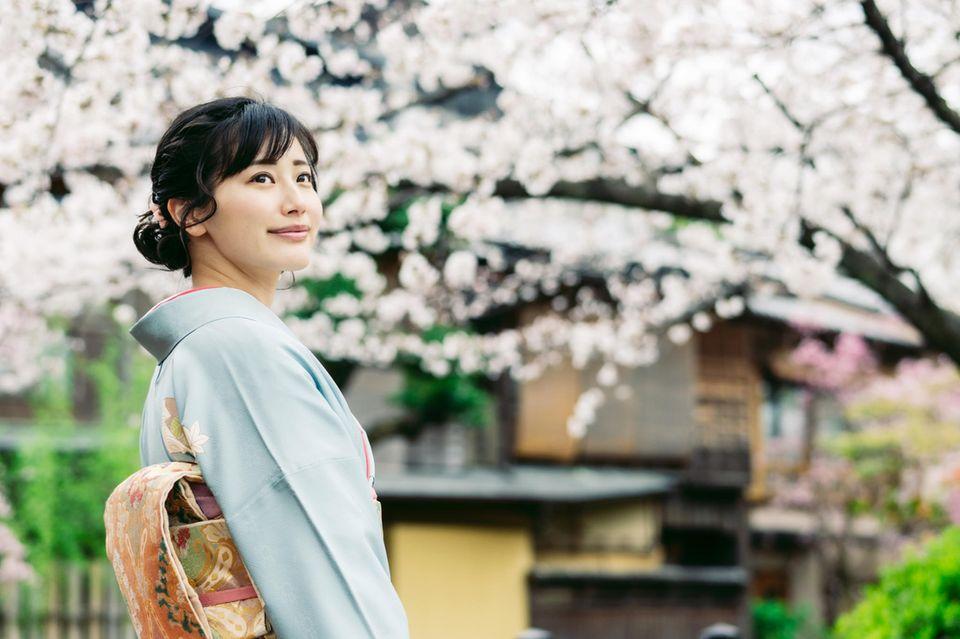 Japanische Blutgruppen-Typologie: Japanerin im Kimono