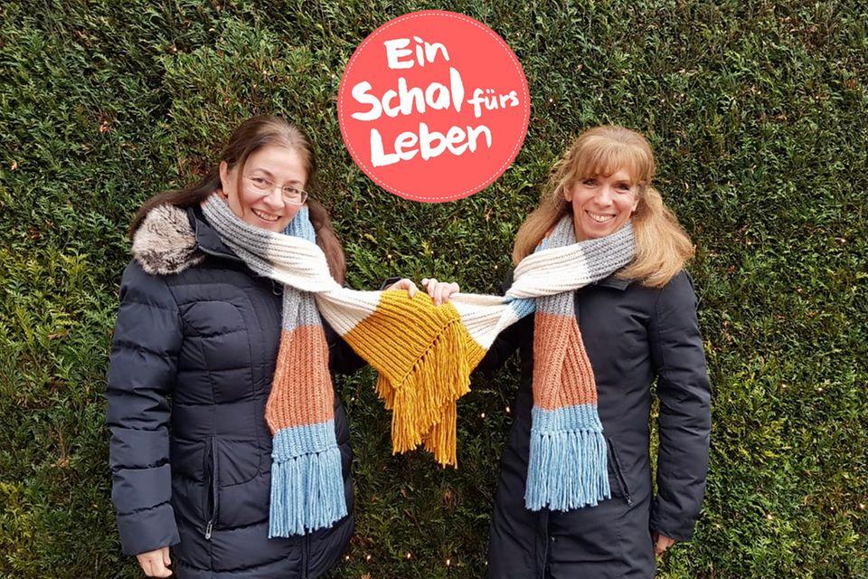 Schal fürs Leben: Die Leser*innen tragen den Schal