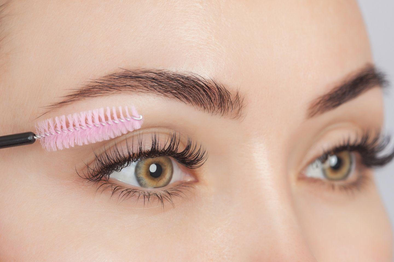 Augenpartie mit langem Wimpernkranz
