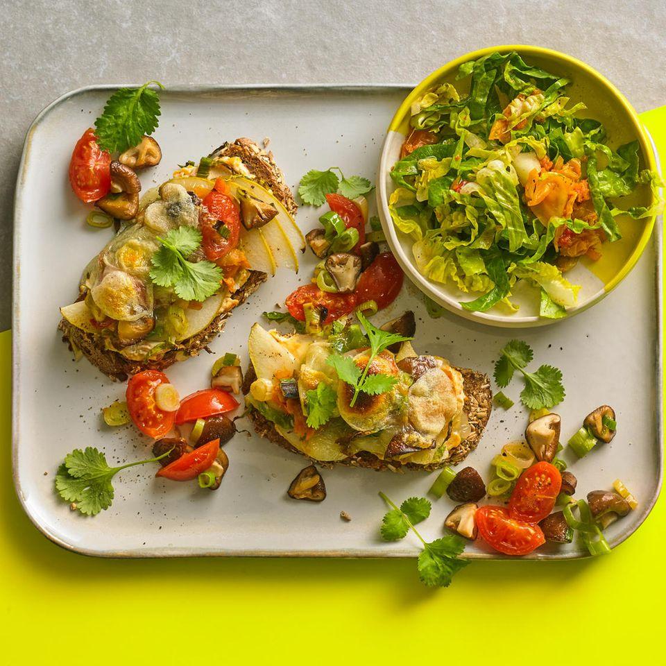 Open Kimchi-Sandwich