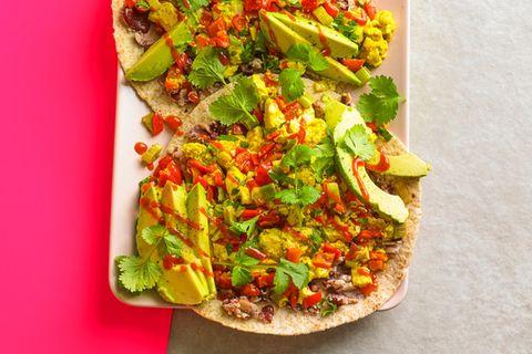 Veganes Rührei auf Tortilla