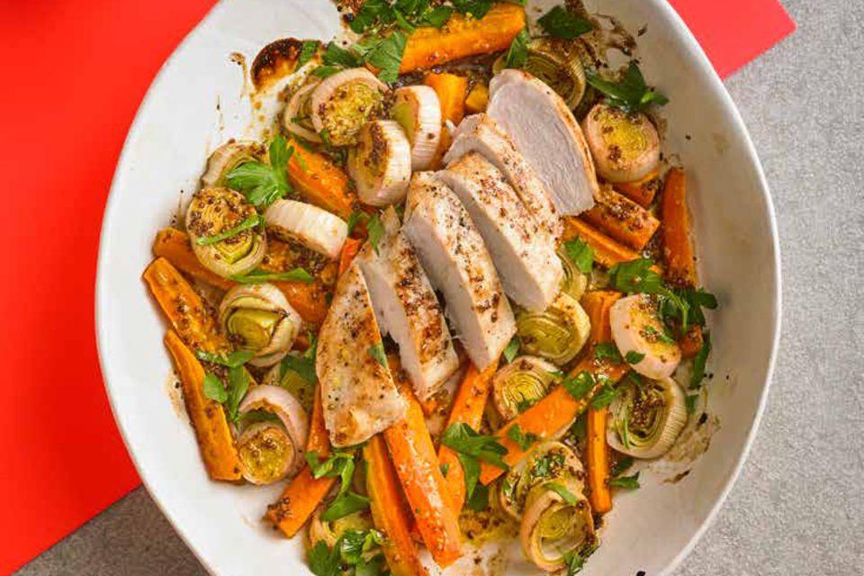 BRIGITTE Balance-Rezepte Hähnchen auf Ofengemüse