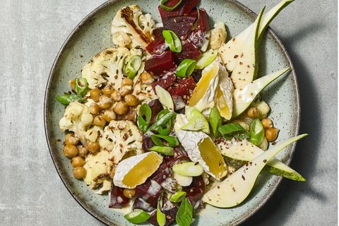 Blumenkohl-Salat mit Sauermilchkäse
