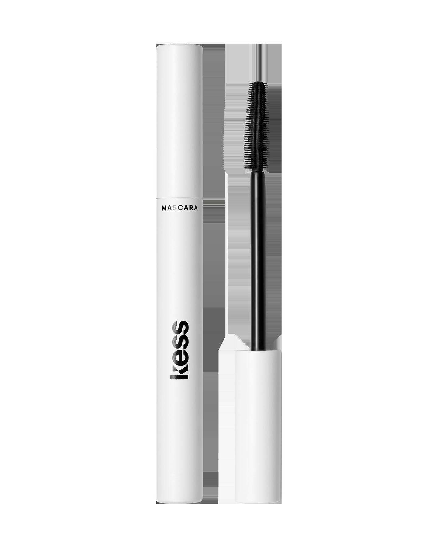 Natürliche Länge, Definition sowie Schwung und perfekt getrennte Wimpern ohne einen sichtbaren Mascara-Effekt? Die DAY Mascara von Kess ist der perfekte Begleiter für einen natürlich schönen Make-up-Look. Um 24 Euro.