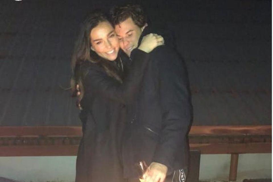 Mit diesem süßen Pärchen-Pic macht Dominic seine Liebe zu Lili offiziell