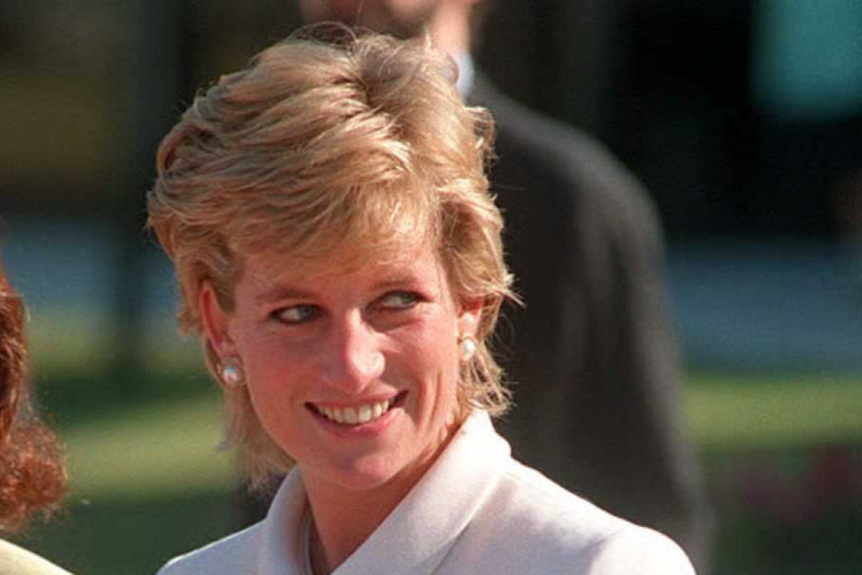 Prinzessin Diana sollte beim Sex mit Charles eine Camila-Perücke tragen