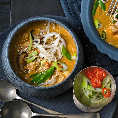 Garnelen-Curry-Eintopf mit Udon-Nudeln