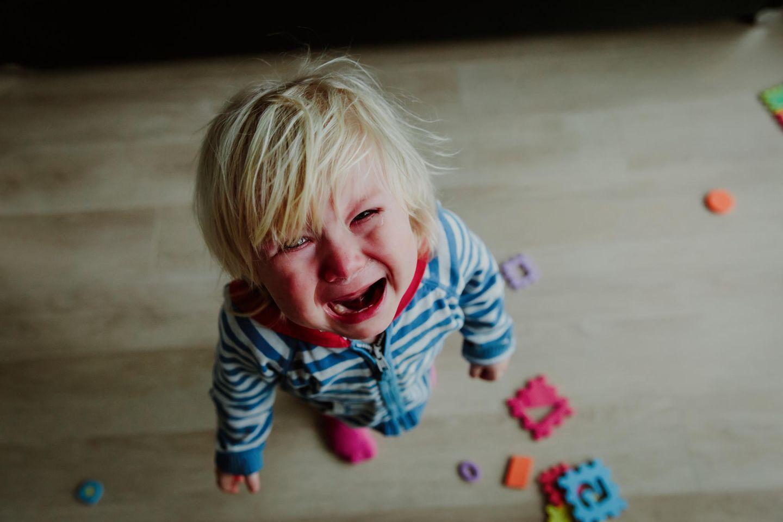 Kind beruhigen: Kind weint