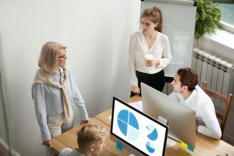 Machtspiele im Job: Szene im Büro