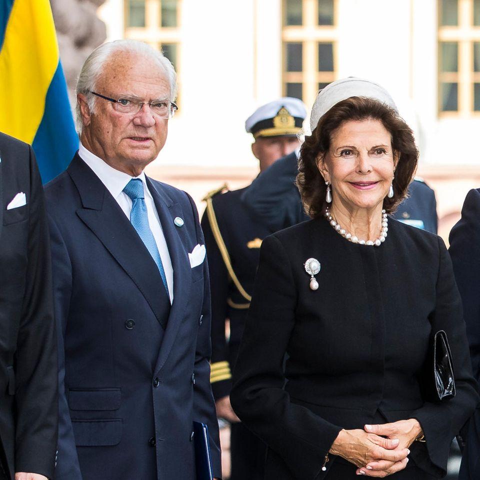 Müssen König Carl Gustaf und seine Familie zurückstecken?