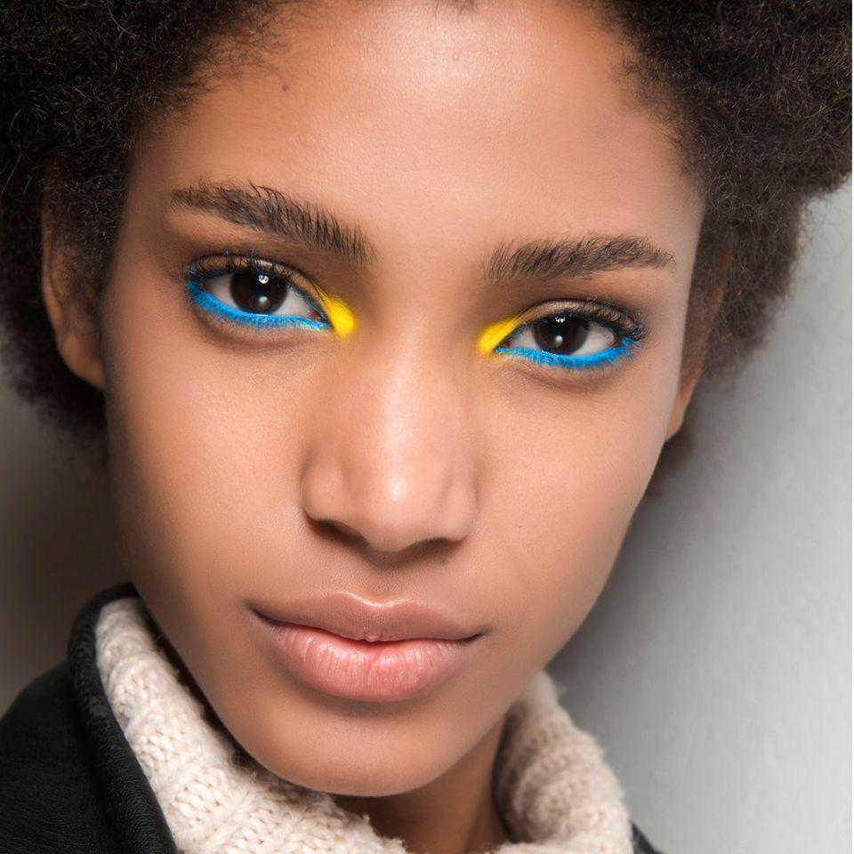 Bunte Vielfalt: So bringt ihr dezent Farbe in euer Make-up