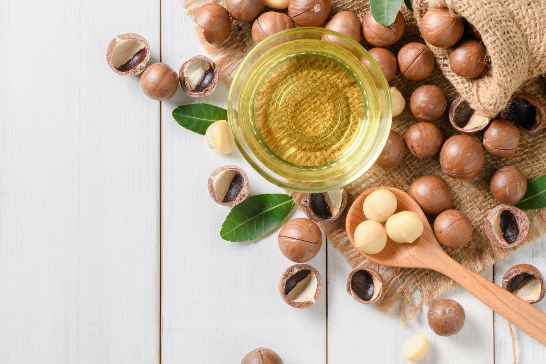 Macadamiaöl: Macadamianüsse und Öl