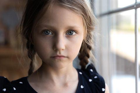 Elternfehler: Trauriges Mädchen