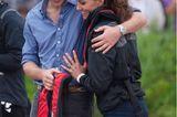 Herzogin Kate + Prinz William: umarmen sich