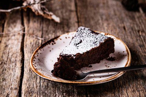 Kladdkaka: Saftiger Schokoladenkuchen aus Schween