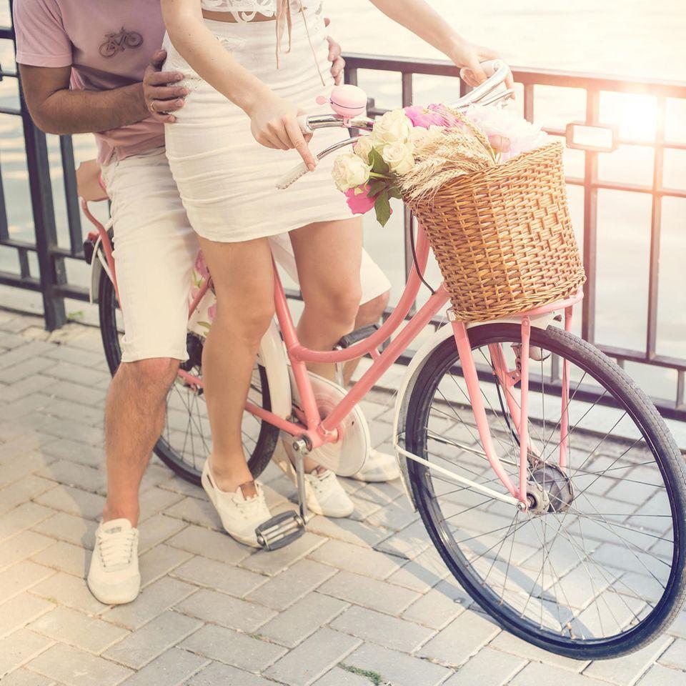 WorstFirstDate: Ein Paar auf einem Fahrrad