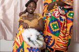 Hochzeitskleider aus aller Welt: Brautpaar posiert
