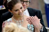 Royals: Prinz Daniel umarmt Priinzessin Viktoria von Schweden