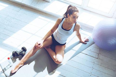 Seilspringen: Sportliche Frau