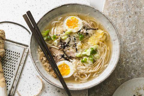 Ramen-Suppe mit Meerrettich
