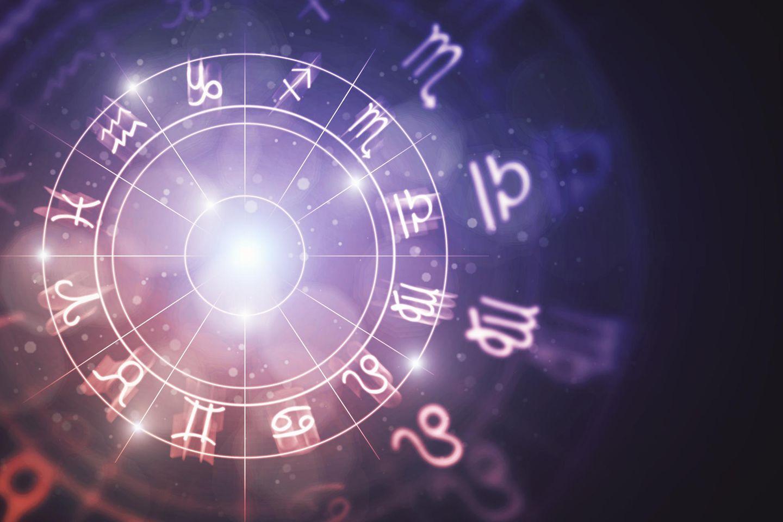 Aszendent berechnen: Großer Tierkreis mit Tierkreissymbolen