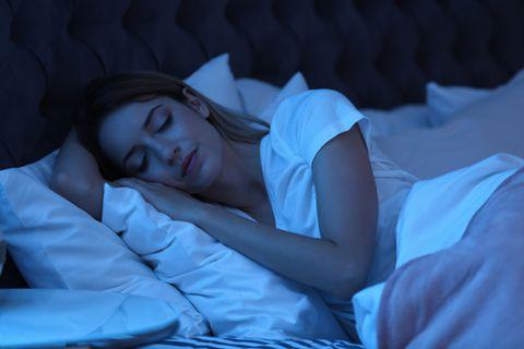 Schlafhygiene: Schlafende Frau