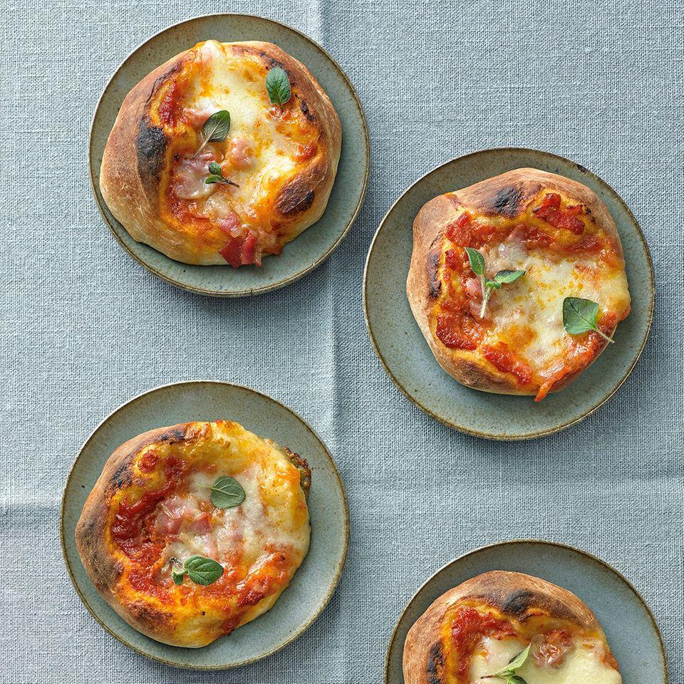 Tomaten-Käse-Pizzetten