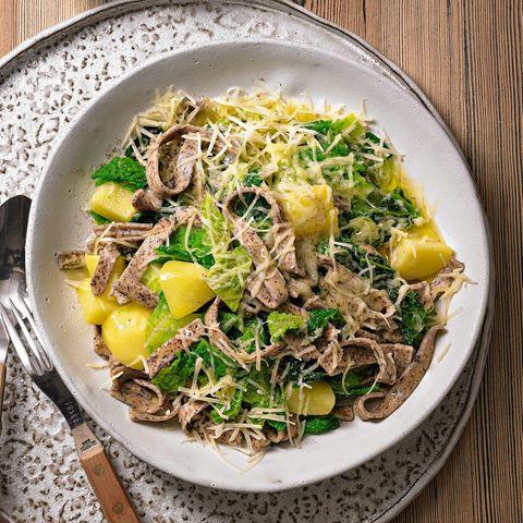 Alpenküche: Pizzoccheri mit Gemüse
