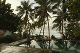 Sri Lanka Pool am Meer