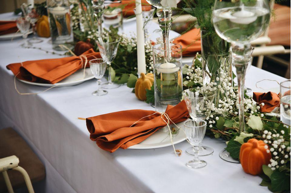 Gartenhochzeit: Herbstliche Tischdeko