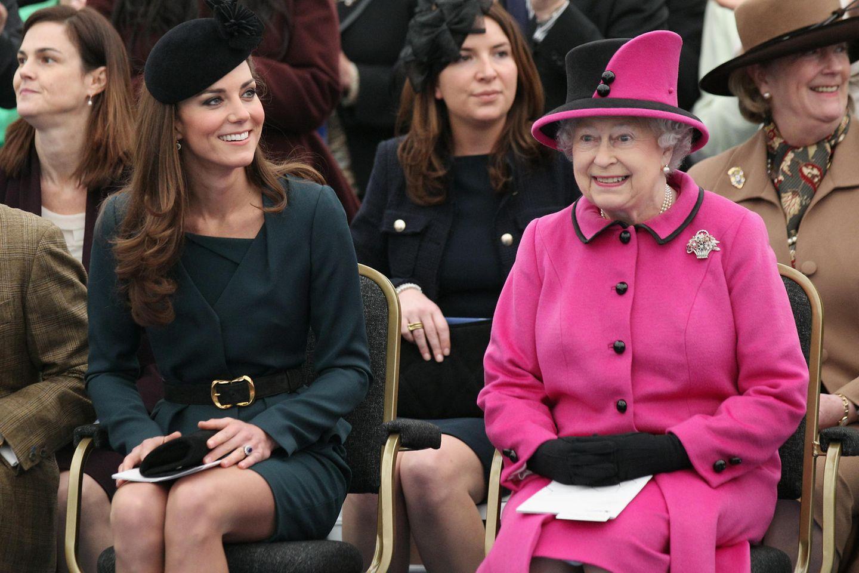 """Queen Elizabeth plant """"besondere Überraschung"""" zu Kates 10. Jubiläum"""