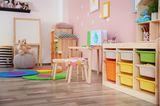 Geschwisterzimmer: Spielecke und Stauraum