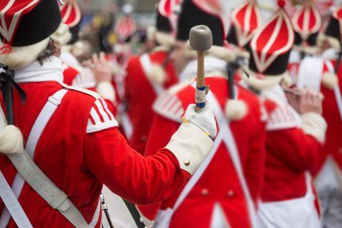 Polizei stoppt illegalen Karnevalsumzug: Karnevalsumzug