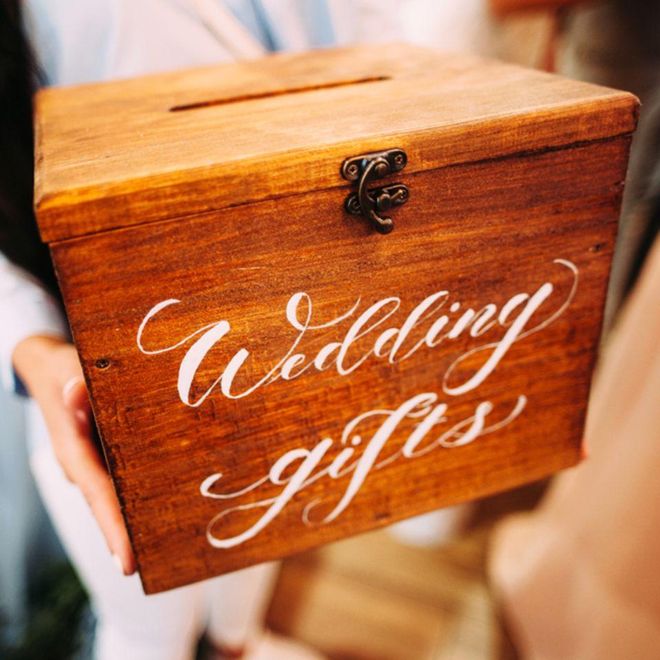 Hochzeit Geldgeschenk: Holzbox für Umschläge