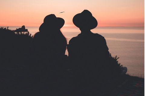 Zwillingsseele: Schatten von zwei Menschen