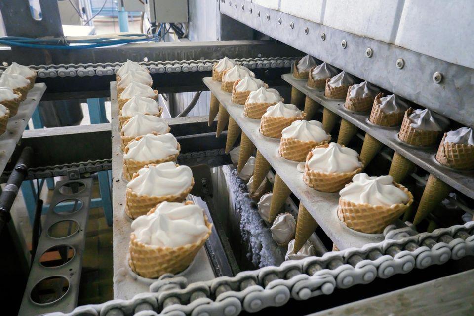 Corona aktuell: Massenausbruch in Eisfabrik
