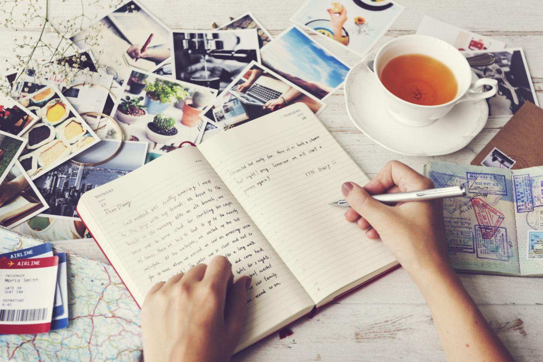 Einschlafen: Tagebuch schreiben