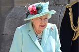 Queen Elizabeth II ist eine wahre Stilikone – besonders wenn es um Farben und Pastelltöne geht. Schwarz, Weiß oder Grau sind an der Monarchin fast nie zu sehen, sie setzt lieber auf zarte Blau-, Rosa- und Gelbtöne und liegt damit immer im Trend!