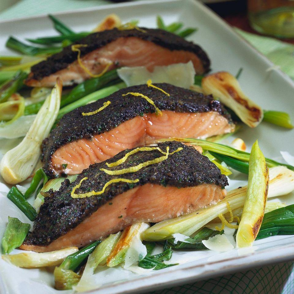 Lachsfilet mit Olivenkruste