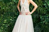 Musikerin Andra Day ist im verträumten Glamour-Look von Chanel eine wahre Augenweide.