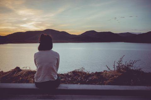 Horoskop: Eine traurige einsame Frau