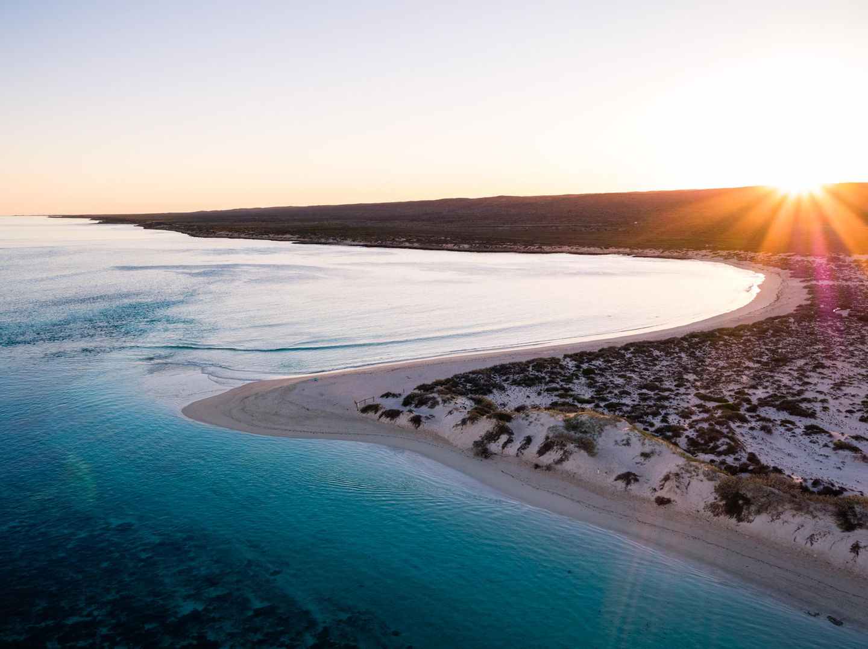 Die Turquoise Bay in der Nähe der westaustralischen Stadt Exmouth ist nicht nur traumhaft schön, sie ist auch perfekt zum Schnorcheln. Das vorgelagerteNingaloo-Riff gehört zum Unesco-Welterbe undliegt – anders als das Great Barrier Reef – ungewöhnlich nah vor der Küste.