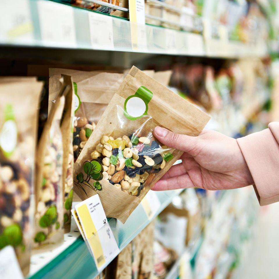 Rückruf: Nüsse im Supermarkt
